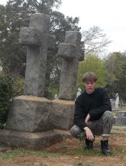 dylann-roof-crosses-100_1704